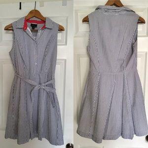 Searsucker shirt dress with pockets